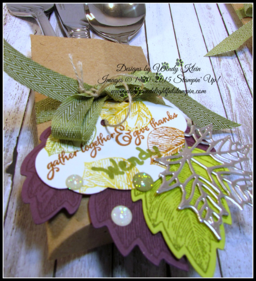 Thanksgiving Placesetting Holder with Trim Your Stocking Thinlits - 6