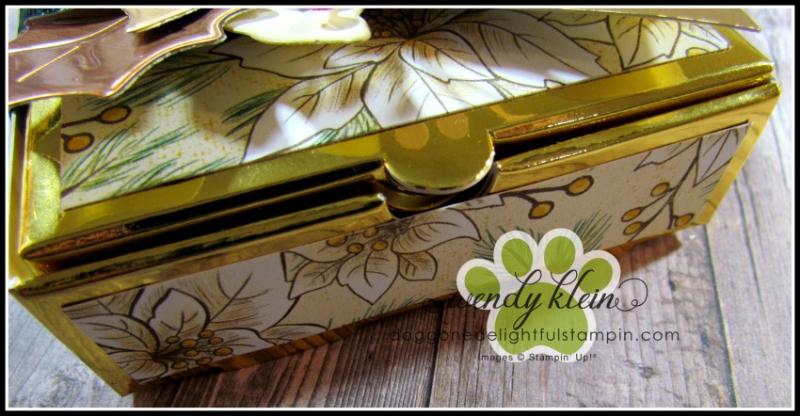 Poinsettia_Petals_Gift_Box-3