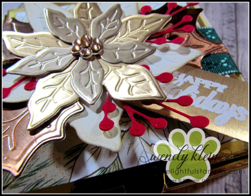 Poinsettia_Petals_Gift_Box-4